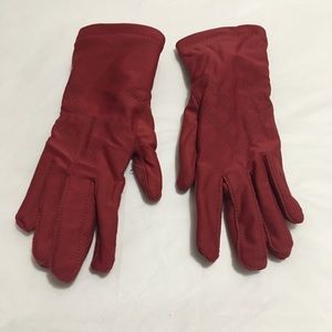 Women's red Isotoner gloves